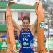 Carole Peon soars to first World Cup victory in Guatape