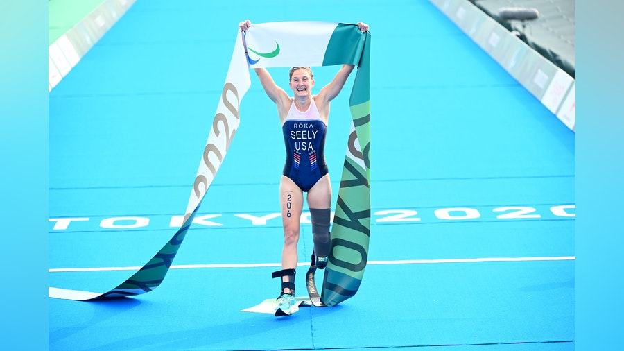 Seely makes history in Tokyo to become the first woman to win two Para triathlon golds