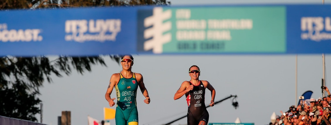 Holland crowned 2018 ITU World Champion as Gentle wins WTS Gold Coast thriller