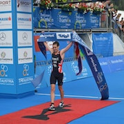 Alistair Brownlee secures hat-trick of European titles