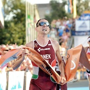 Hungarian men impress in home race