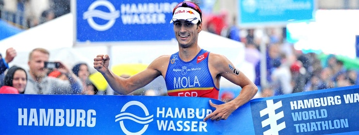 Mola back on top after Hamburg win