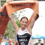 Samuels powers away on bike and steals Mooloolaba win