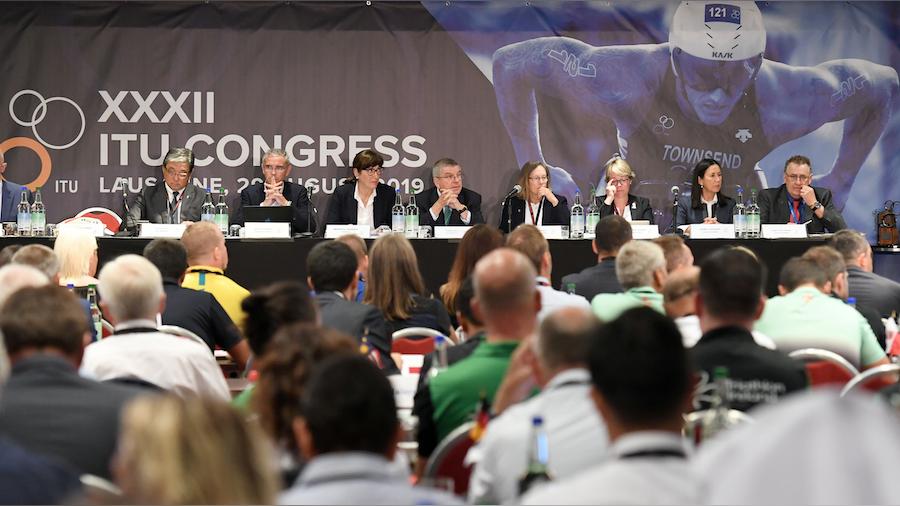 Thomas Bach hails bold vision for triathlon during 2019 ITU Congress