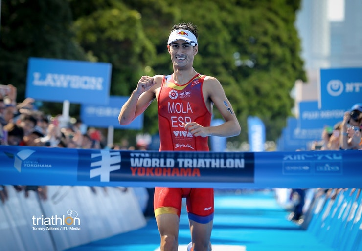 Mario Mola collects three-peat win in WTS Yokohama