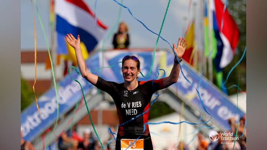 Emotional victory for De Vries at Long Distance World Championships