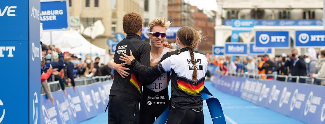 Tim Hellwig brings gold home for Team Germany at the Hamburg Mixed Relay