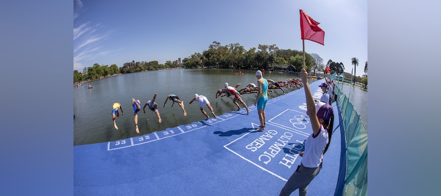 Teams ready to perform at the 2018 Buenos Aires Mixed Relay