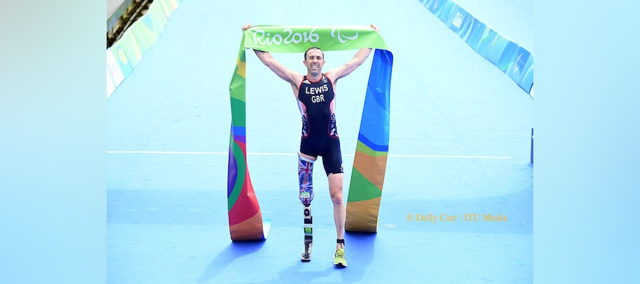 Pressure off for Andy Lewis in season finale of the Paratriathlon World Cups