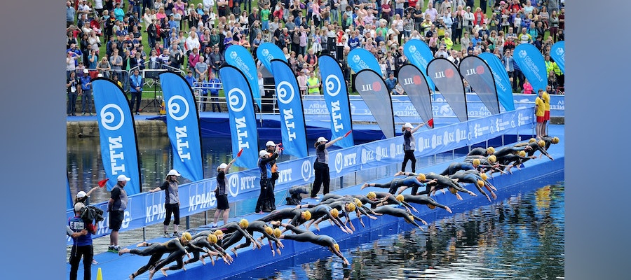 Strong women's field turns up for second-ever WTS Leeds race
